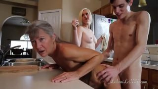 Vídeos pornogratis con mi novia y su mama